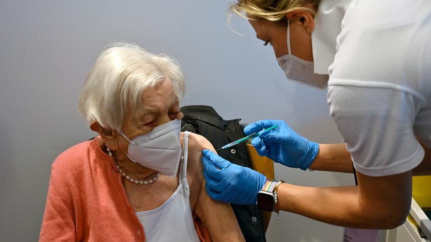 Regulärer Betrieb im Impfzentrum Erlangen gestartet