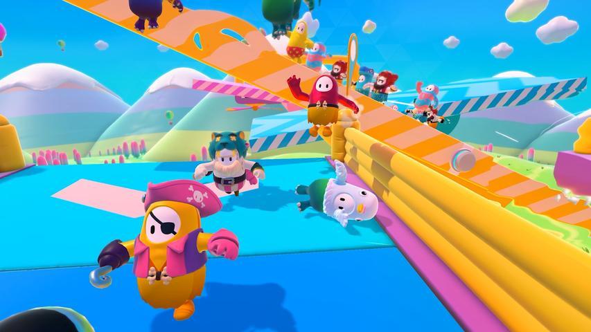 Der Hype um Fall Guys war im Corona-Sommer groß. Der TV-Klassiker Takeshi's Castle bekommt eine comicartige Videospielversion. Im Battle-Royal Prinzip treten bis zu 60 Spieler gleichzeitig auf verschiedenen Hindernisstrecken gegeneinander an. Am Ende kann jedoch nur einer gewinnen. Verfügbar ist das Spiel auf Playstation 4 und PC.
