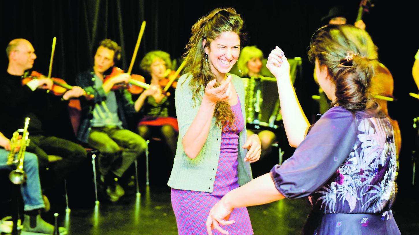 Tanzen, Feiern, Nähe und Spaß wie hier beim Internationalen Klezmer Festival im vergangenen Jahr im Kulturforum: 2021 ist dies bis auf Weiteres ein Ding der Unmöglichkeit. Nun kapituliert auch das Festival Intermezzo vor der Pandemie.