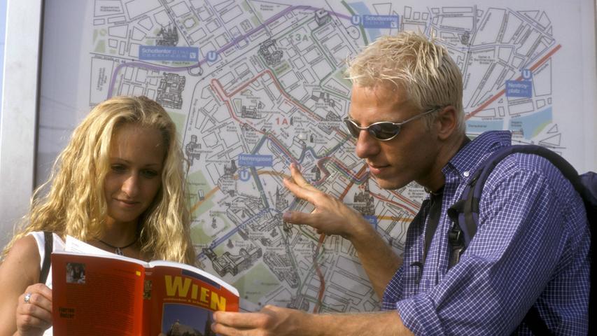 Statt Google Maps oder Navi hieß es Karten studieren.