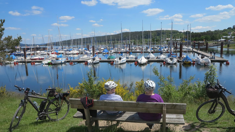 Die Seen lassen sich prima mit dem Rad erkunden.