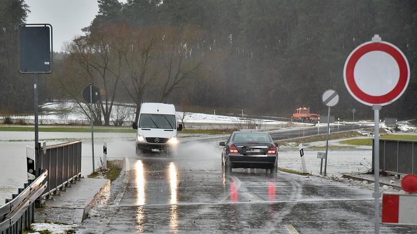 Motiv: Hochwasser an der Schwabach und Zuflüssen; Kleinsendelbach; Foto: Harald Hofmann