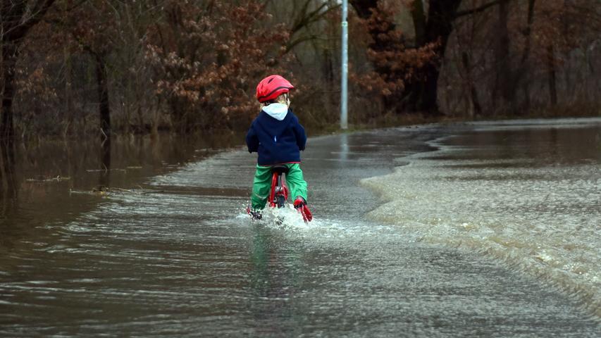 Regen und Schneeschmelze überfluten Franken