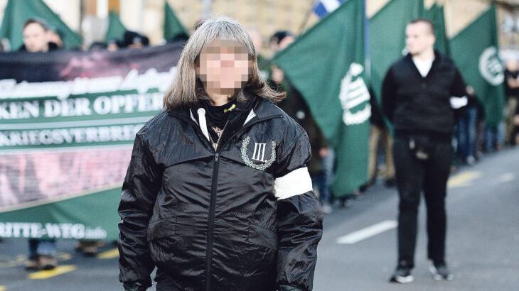 Während eines Aufmarschs des III. Wegs in Bamberg im März 2020 war Susanne G. aus Diepersdorf als Ordnerin tätig.