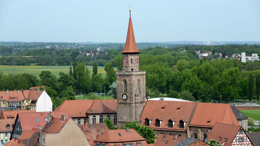 Die Kirche St. Michael ist Fürths Stadtkirche mitten in der Altstadt und neben dem Rathaus das zweite weithin sichtbare Wahrzeichen der Kleeblattstadt. Die