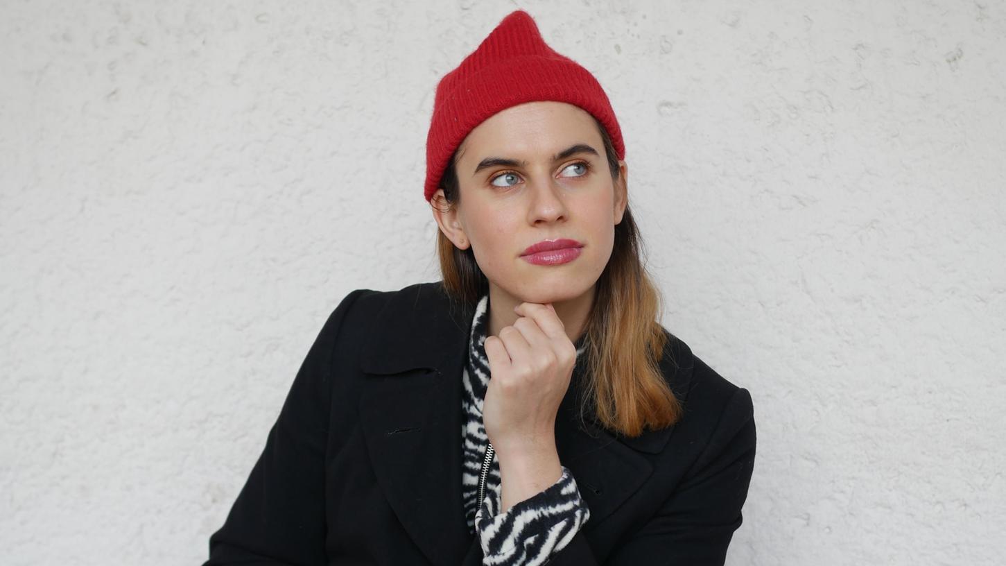 Sophie Rauscher (29) ist in Nürnberg aufgewachsen und lebt inzwischen in Berlin. Sie versteht sich als transweiblich, allerdings offen im Sinne von