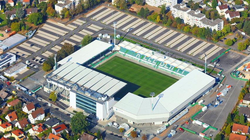 Fußballfans bekommen hier feuchte Augen: Der altehrwürdige Ronhof, von dem leider nicht mehr viel Altes blieb, ist das Dorado der Kleeblatt-Fans. Im September 1910 eingeweiht, wurde der heutige
