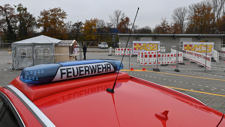 Das vom ASB betriebene Testzentrum auf dem Großparkplatz hat bislang rund 8500 Test durchgeführt. Gerade ist die Kapazität erweitert worden..Foto: Klaus-Dieter Schreiter