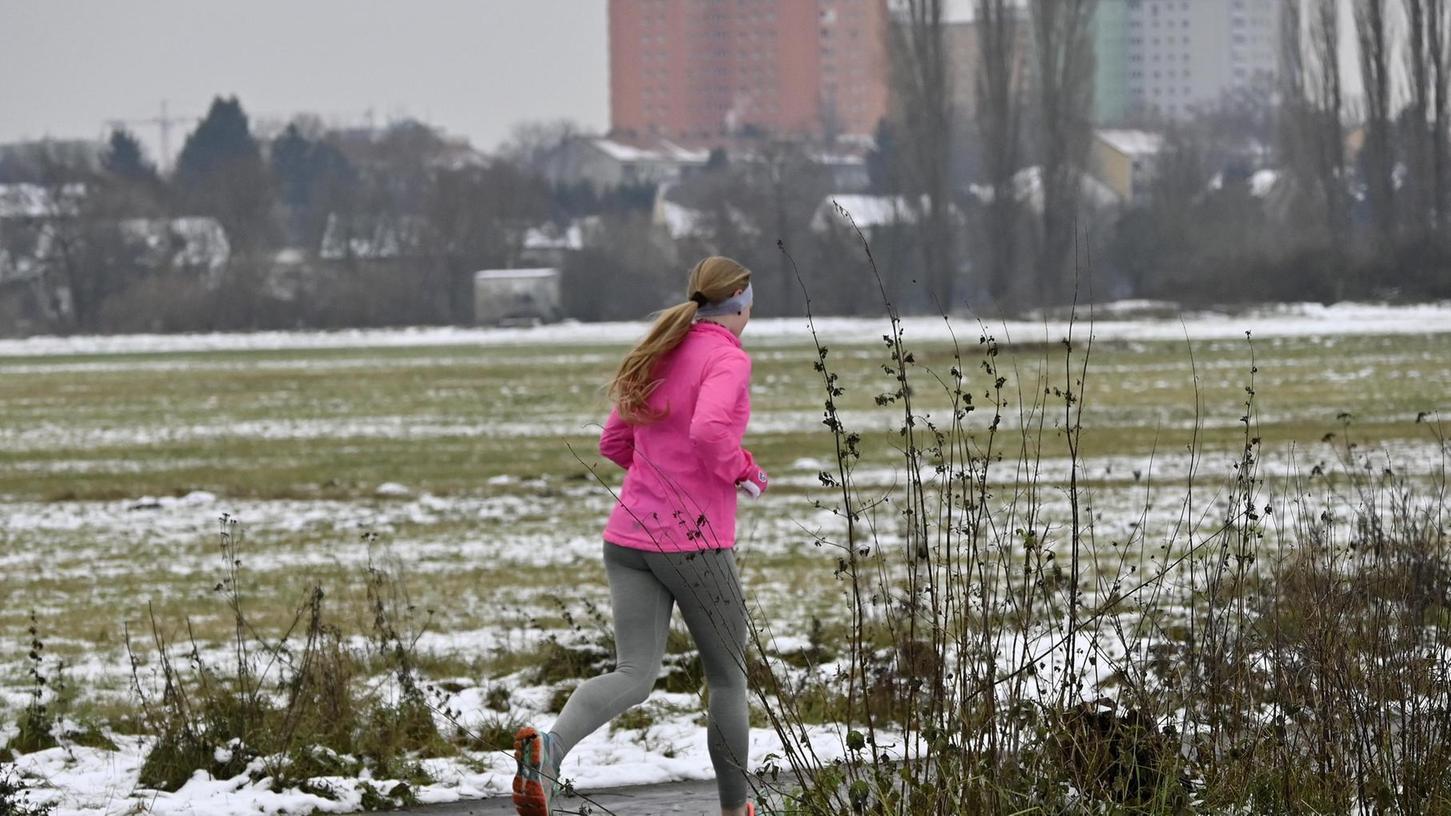 Laufen, wie hier im Wiesengrund, ist eine der wenigen Sportarten, die in der Pandemie noch halbwegs problemlos möglich ist.