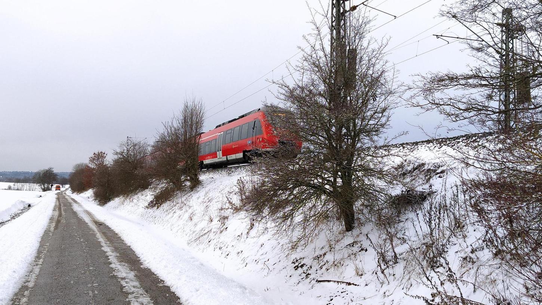 Da freut sich der Radfahrer: Nun ist die kürzeste und sicherste Verbindung zwischen Pölling und Postbauer-Heng auch im Winter befahrbar.