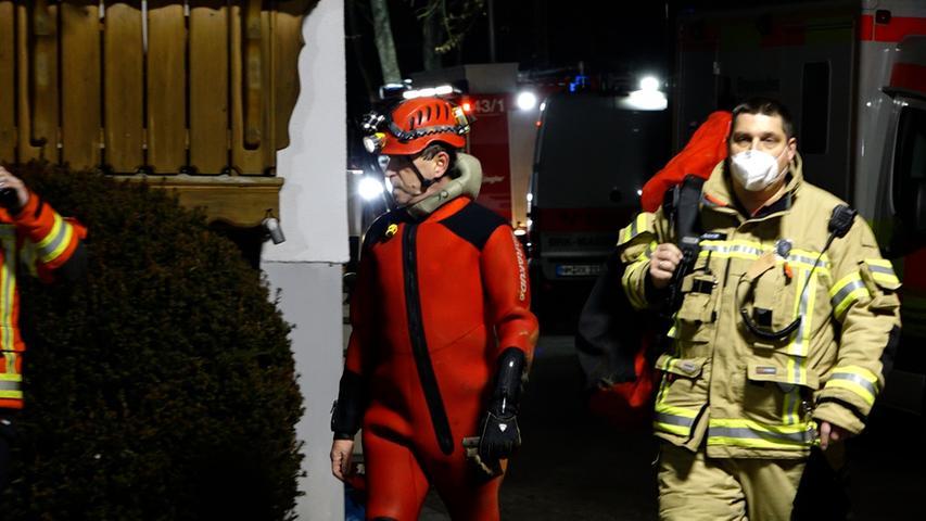 Einsatzkräfte bergen toten Forscher aus Oberpfälzer Höhle