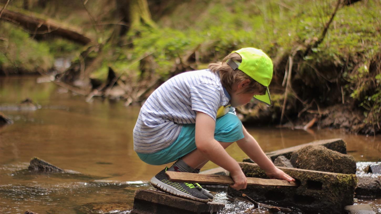 Wasser begeistert Kinder immer, raten die Blogger.