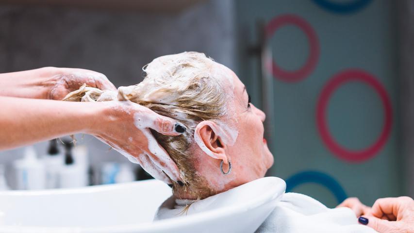 Neue Corona-Beschlüsse: Friseure dürfen öffnen, Läden noch nicht