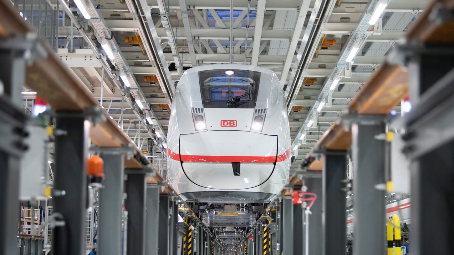 Das ICE-Werk in Köln-Nippes gilt als Vorbild für das geplante Werk in der Metropolregion Nürnberg. Für dieses Vorhaben hat die Bahn sieben mögliche Standorte benannt.
