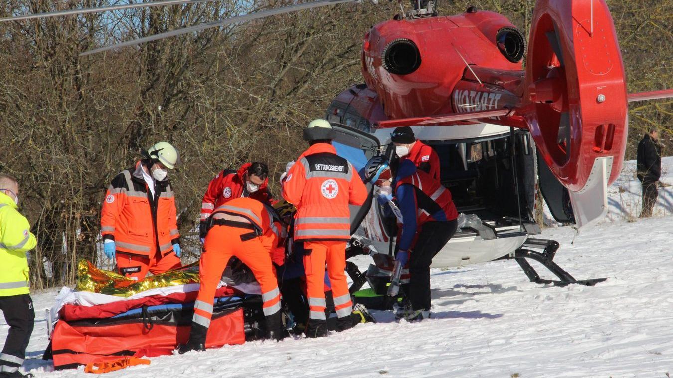 Nach ihrem Snowboard-Unfall wurde die junge Frau mit dem Rettungshubschrauber ins Nürnberger Südklinikum geflogen.