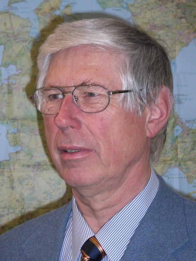 Prof. Dr. Rolf Monheim warProfessor für angewandte Stadtgeographie und Stadtplanung an derUniversität Bayreuth. Im Ruhestand forscht er weiter -auch in Nürnberg.
