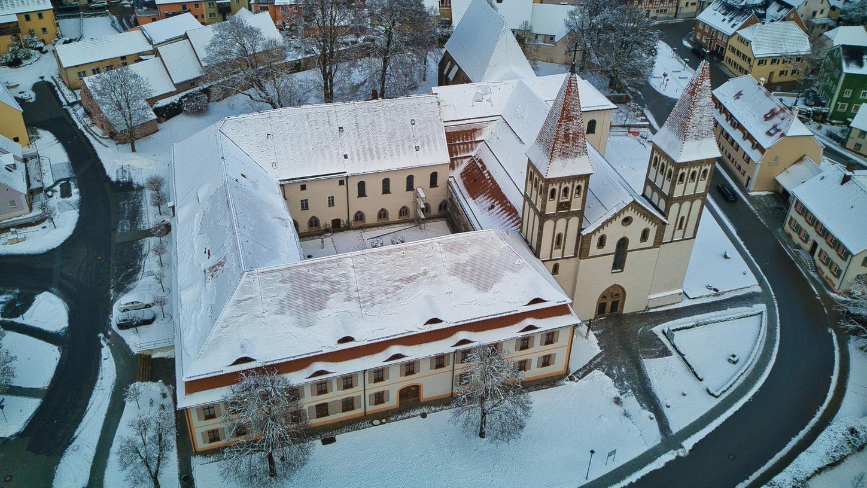 Die Pandemie hat auch vor den dicken Mauern des Kloster Heidenheims nicht halt gemacht: Corona hat die Einrichtung in finanzielle Nöte gebracht.