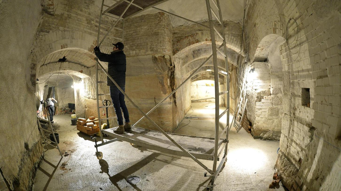 Bei einer Spezialfirma in Bamberg starten derzeit die Vorbereitungen für die beiden Sudkessel, die im Stollensystem des Burgbergs ihren Platz finden werden.