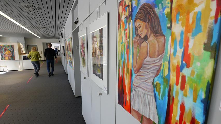 Der Kunstverein Spectrum stellt im Impfzentrum seine Werke aus.