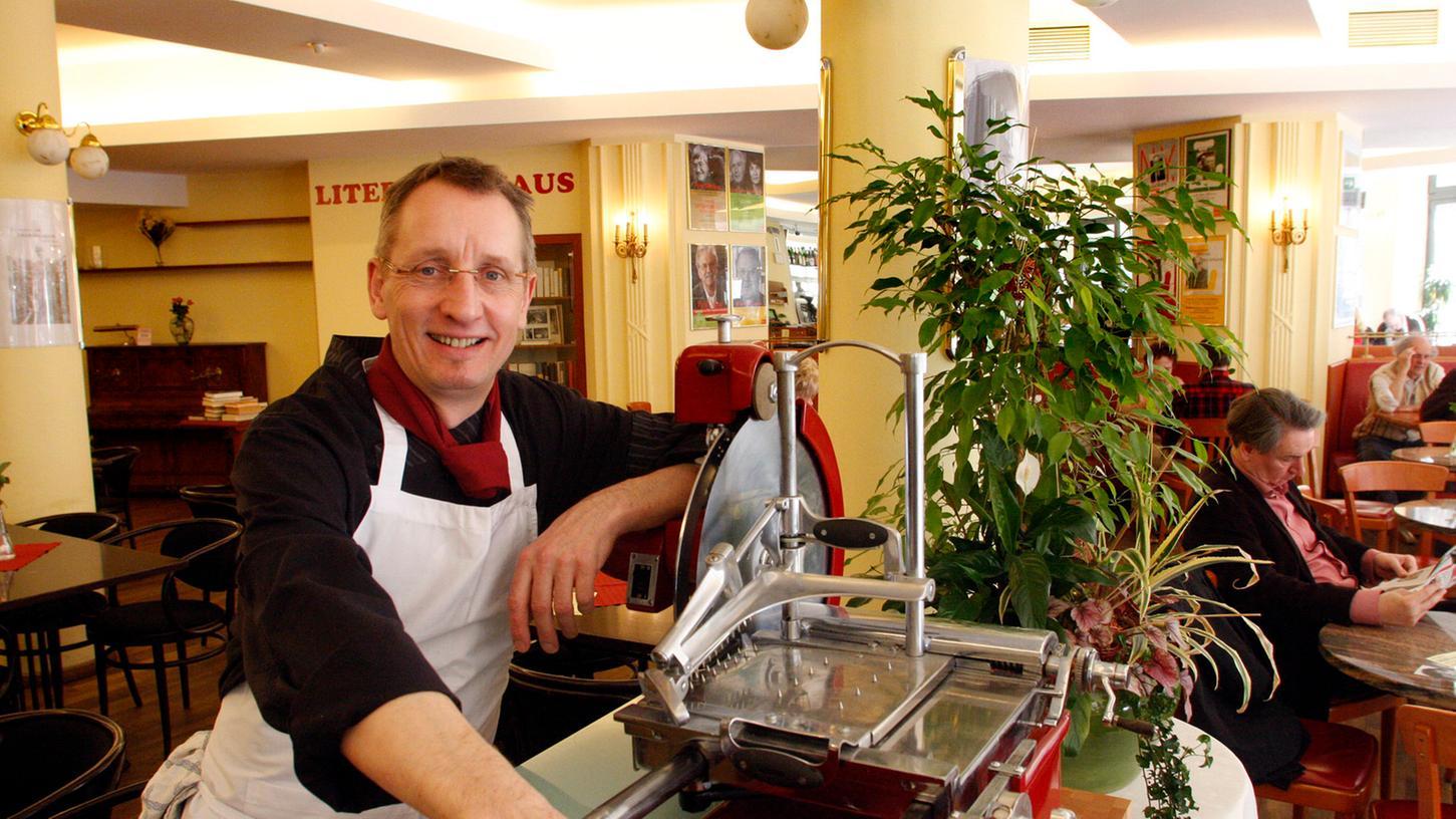Küchenchef und Pächter Bernhard Rings hat im vergangenen Herbst die Gastronomie des Literaturhauses übernommen.