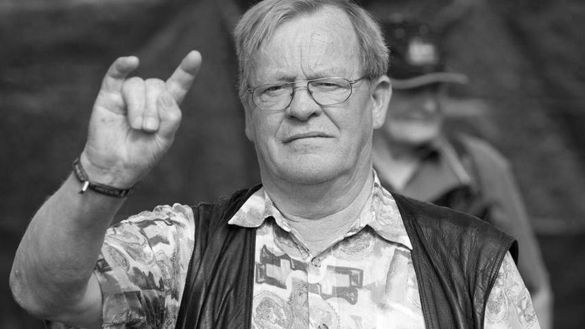 Der Bauer Uwe Trede vermietete 1990 seinen Acker im schleswig-holsteinischen Dorf Wackenan die Festivalgründer. Der Rest ist Geschichte. Zum heimlichen Star des Festivals wurde er 2006 durch den Dokumentarfilm