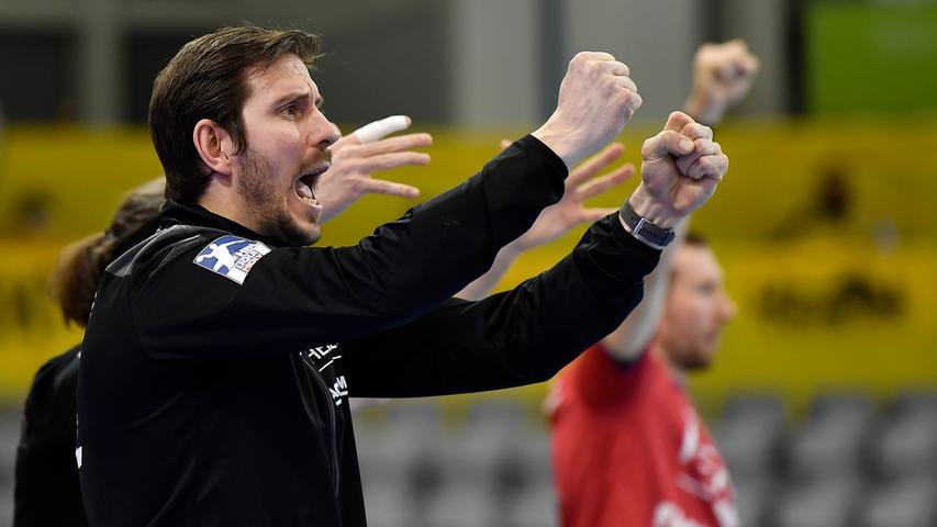 18.02.2021 --- Handball --- 1. Bundesliga LIQUI MOLY HBL --- Saison 2020 2021 --- 19. Spieltag: HSC 2000 Coburg - HC Erlangen Metropolregion Nürnberg HCE --- Foto: Sport-/Pressefoto Wolfgang Zink / WoZi --- Michael Haaß (Trainer HC Erlangen HCE ) ballt Faust / Fäuste - ruft schreit brüllt