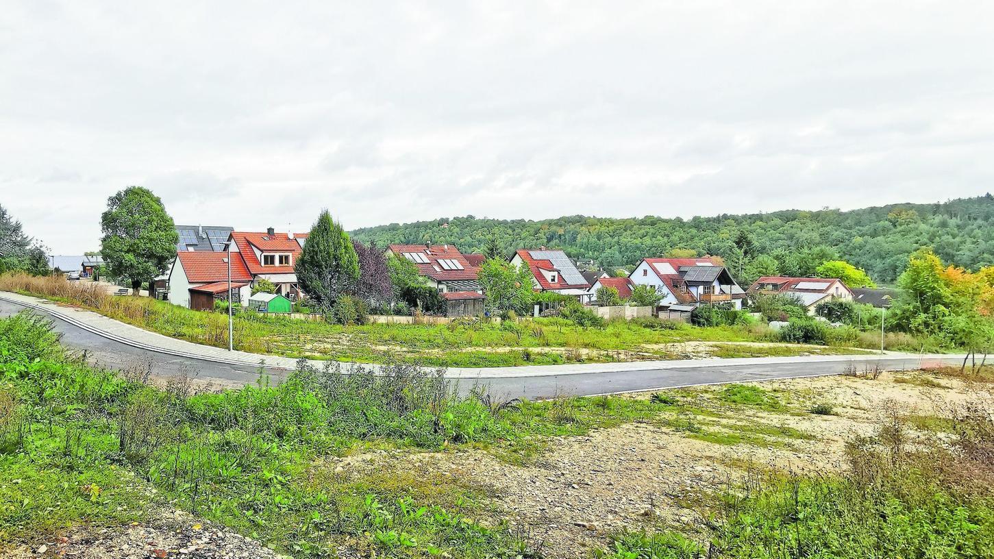 """Die Vorschriften für Gebäudestil und Dachformen im Neubaugebiet """"Weitstein II"""" in Dietfurt wurden erst kürzlich deutlich gelockert. Das soll künftig auch in anderen Baugebieten im Gemeindegebiet Schule machen."""