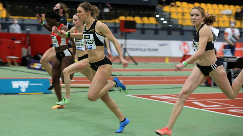 Der Moment des Sieges: Amelie-Sophie Lederer gewinnt das Rennen über 60 Meter und schafft damit endgültig den Durchbruch in die nationale Spitze.