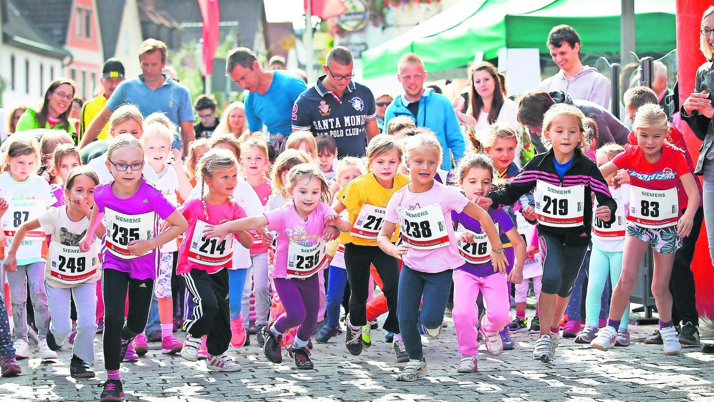 In den Startlöchern: Die Organisatoren sind zuversichtlich, dass der Fränkische-Schweiz-Marathon heuer stattfinden kann – notfalls auch mit Auflagen.