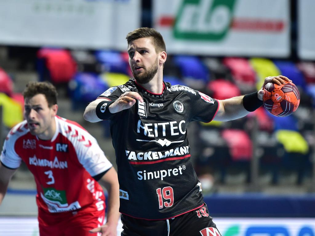 28.02.2021 --- Handball --- 1. Bundesliga LIQUI MOLY HBL --- Saison 2020 2021 ---  16. Spieltag: HC Erlangen Metropolregion Nürnberg HCE - HSG Nordhorn Lingen --- Foto: Sport-/Pressefoto Wolfgang Zink / OGo ---   Sime Ivic (19, HC Erlangen HCE )