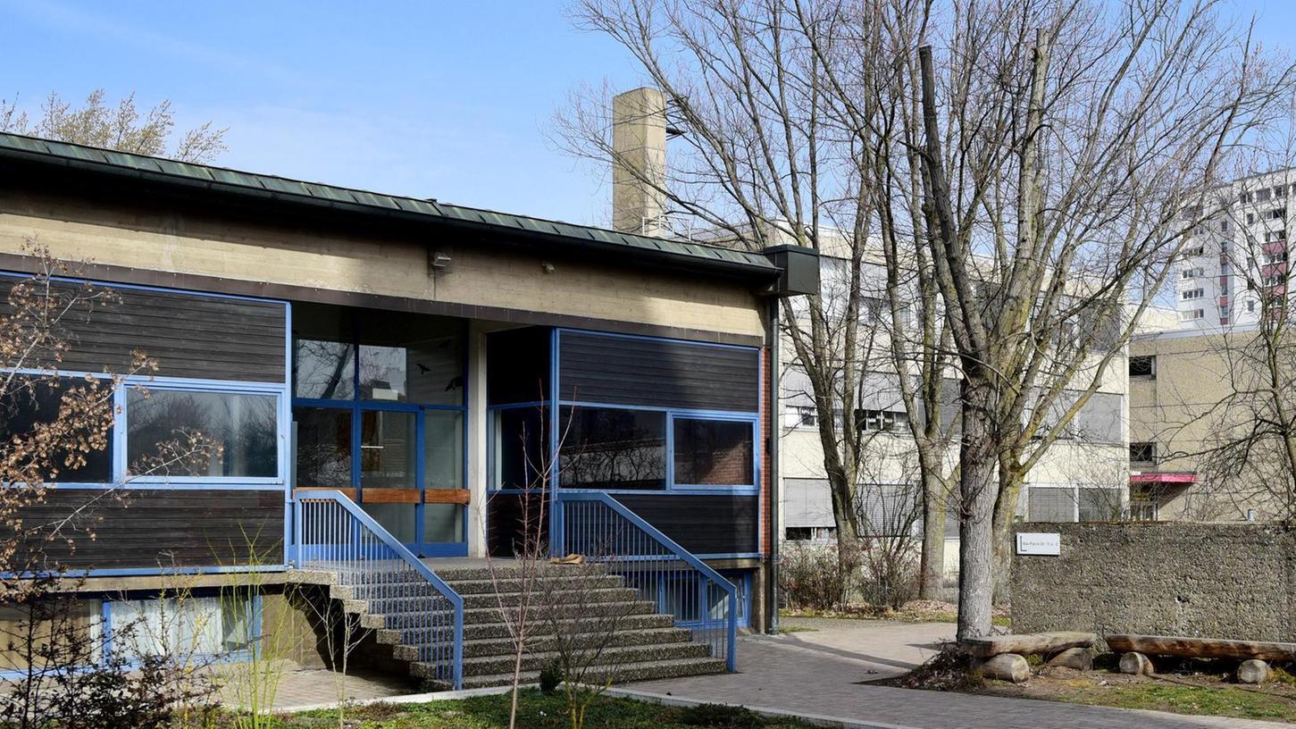 Auf der Hardhöhe soll langfristig das frühere Gemeindehaus der Heilig-Geist-Kirche Raum für Grundschüler bieten. Es muss allerdings noch umgebaut werden.