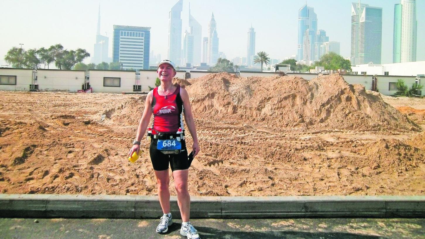 Welt-läufig im Wortsinn: Als passionierte Ausdauersportlerin hat Amtsleiterin Marion Rossa-Schuster Praxis-Erfahrung in aller Welt gesammelt – hier beim Dubai-Marathon.