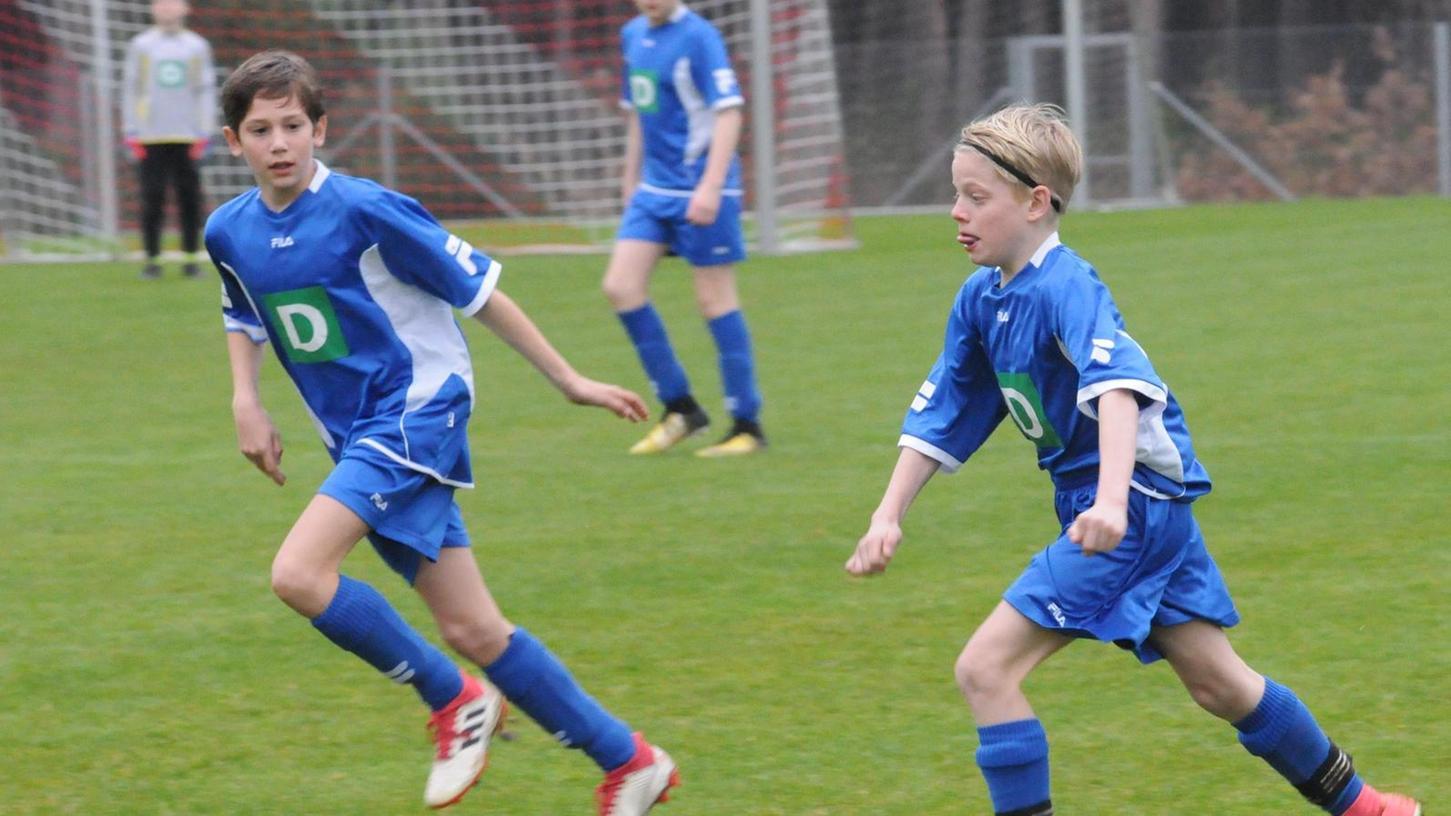 Dürfen bald wieder auf den Platz: die jungen Fußballer des SV Unterwurmbach. Bis zu zwanzig Kinder unter 14 Jahren dürfen ab Montag wieder gemeinsam im Freien trainieren. Bei Erwachsenen sind maximal zehn Personen erlaubt.