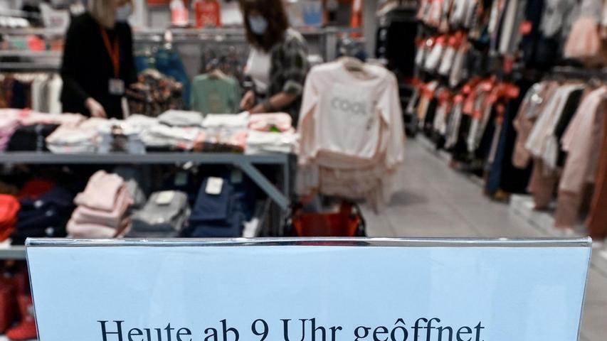 Neumodische Formulierung für Klicken und Treffen, meint das Einkaufen mit Termin, der online oder telefonisch fest gebucht wird vorab.
