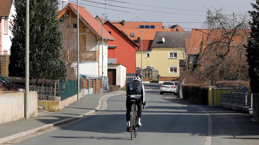Hallerndorf , am 27.02.2021..Ressort: Lokales Foto: Stefan Hippel ..Ortskern, Ortskernserie, Ortsdurchfahrt