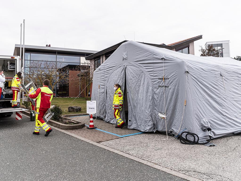 In Herzogenaurach war das neue mobile Corona-Schnelltestzentrum erstmals im Einsatz.