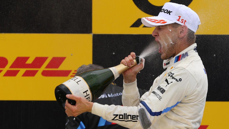 2018, der erste Heimsieg am Norisring: Da gönnte sich Marco Wittmann eine Champagnerdusche.