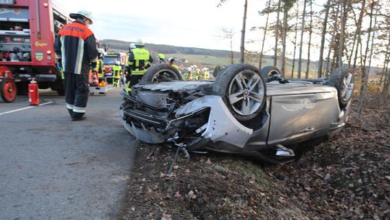 Bei Vestenbergsgreuth: Drei Verletzte nach Überschlag