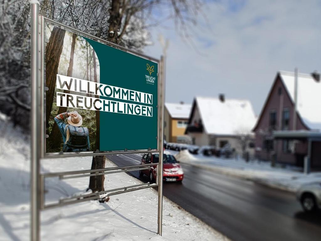An den Ortseinfahrten nach Treuchtlingen könnten die Besucher künftig Schilder begrüßen, die so oder so ähnlich gestaltet sind.