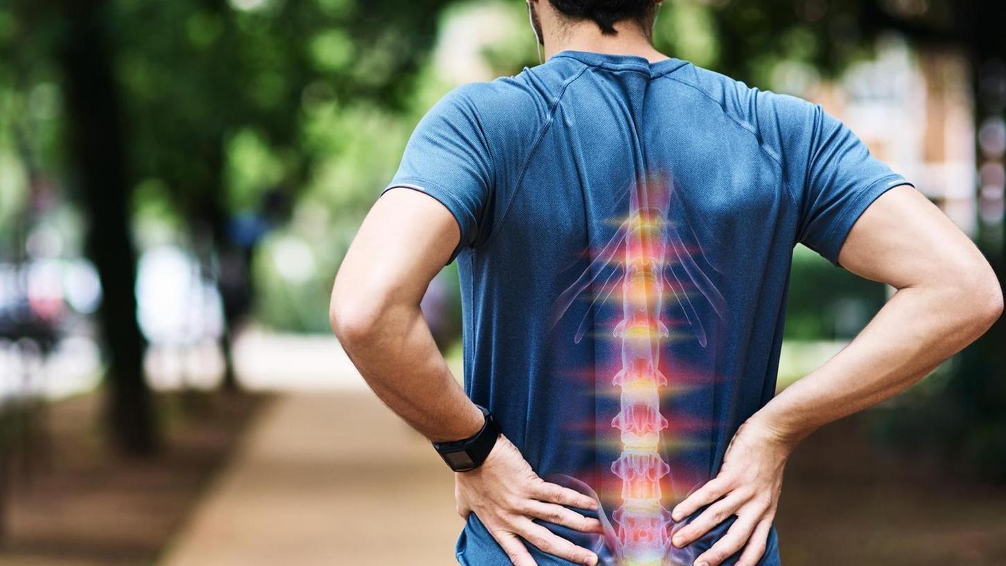 Auch beim Sport kann es mal zwicken – trotzdem ist regelmäßiges Training gut für die Rückenmuskulatur.