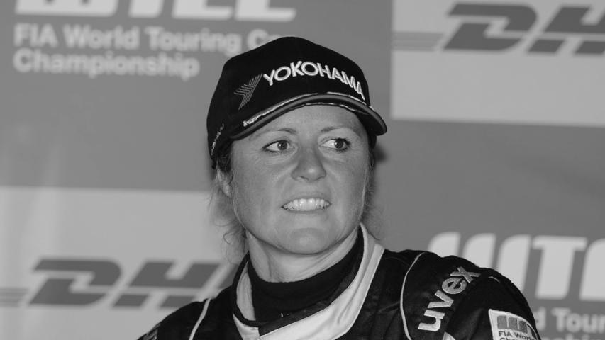 Sabine Schmitz war 1996 die erste Frau, die beim 24-Stunden-Rennen auf dem Nürburgring triumphierte, doch auch als Moderatorin und durch die britische Kult-Serie