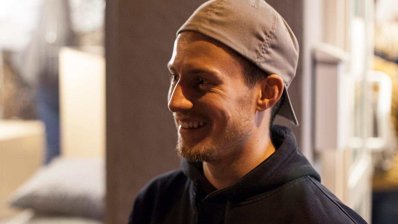 Lucas Krieg ist Künstler und Klarträumer. Im Podcast Mit.Menschen erzählt er, wie er dazu kam.