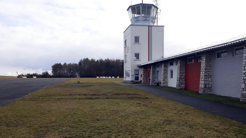 Im Schockzustand befindet man sich auch auf dem Flugplatz Burg Feuerstein. Am Mittwoch wurden alle geplante Flüge gestrichen.