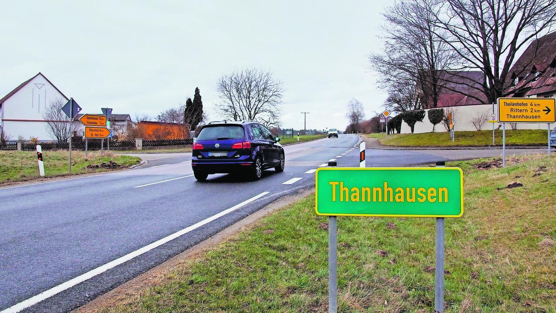 Die Kreuzung an der St 2222 in Thannhausen. Ein Kreisverkehr könnte hier entstehen – oder einige Dutzend Meter weiter in Richtung Gunzenhausen.