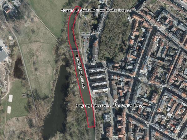 Im rot umrandeten Bereich – auf Höhe des Waldmannsweihers und bis zur breiten Treppe oben – könnte das Baden nach den Vorstellungen der Stadt erlaubt werden.
