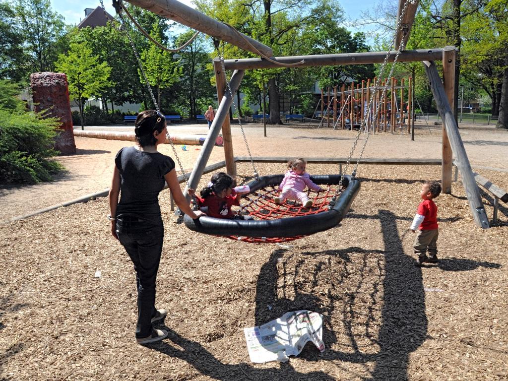 Die Mehrheit der Teilnehmer unserer Online-Umfrage wünscht sich größere, kindgerechte Spielplätze, wie hier im Annapark.
