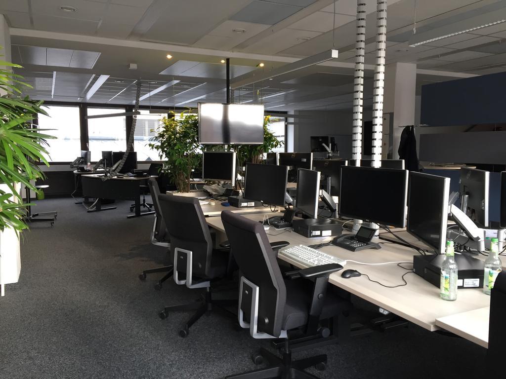 Foto: keine Angabe, überm. von Christine.Thurner@gmx.de, gesp. 4/2020..MOTIV: Desk, Newsdesk, Nürnberger Nachrichten, Nürnberger Zeitung, NN, NZ, leer, Büro, Homeoffice, Corona-Krise