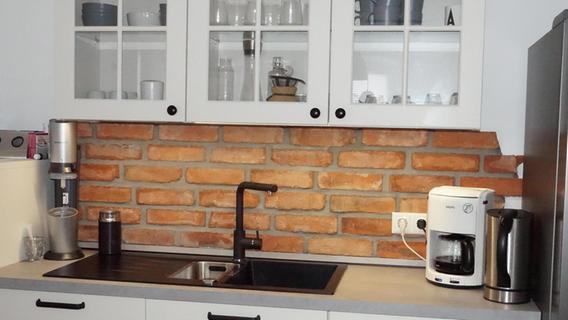 Die alten Backsteine fanden eine neue Verwendung, unter anderem in der Küche der Familie Oster.