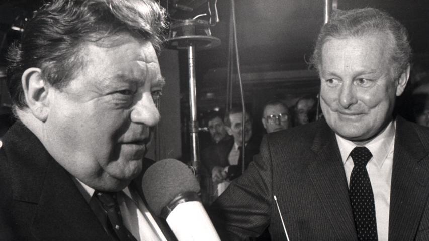 Max Streibl (rechts) stolperte über die Amigo-Affäre. Sie steht für die alte CSU, für die Ära von Franz Josef Strauß (links).