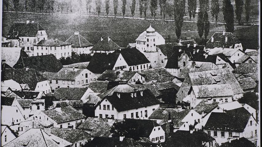 Treuchtlingen von oben, wohl Anfang des vergangenen Jahrhunderts. Viele der damaligen Jurasteindächer gibt es heute nicht mehr.